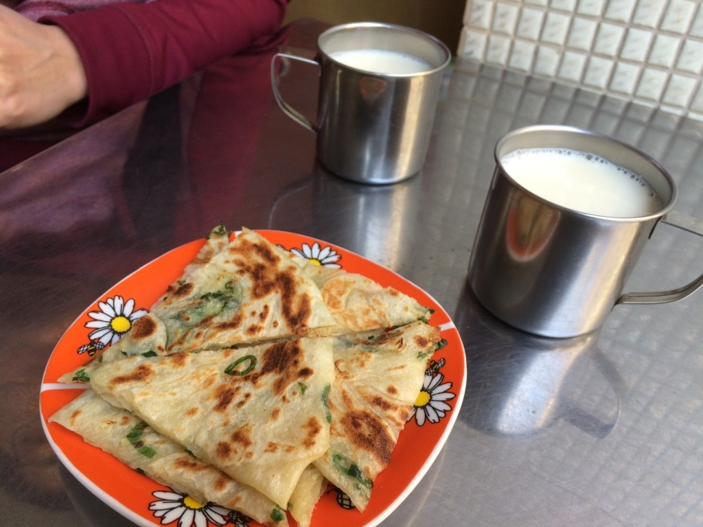 Green onion pancake and warm soy milk. 25 NT = $1 CAD