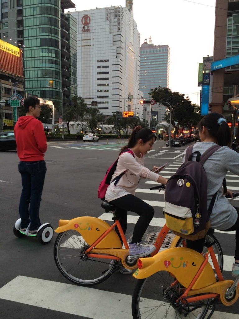 There are tons of scooters in Taichung but also bike sharing is popular. Then we just saw one guy on a segway.