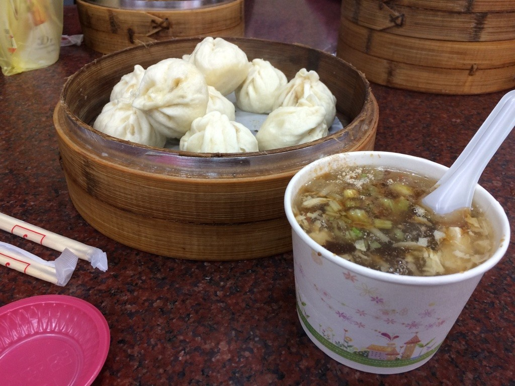 Buns and hot and sour soup (50 NT = $2.50 CAD for the buns and 20 NT = $0.80 for the soup)
