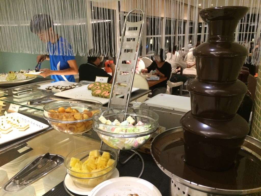 Dessert area - chocolate fondue