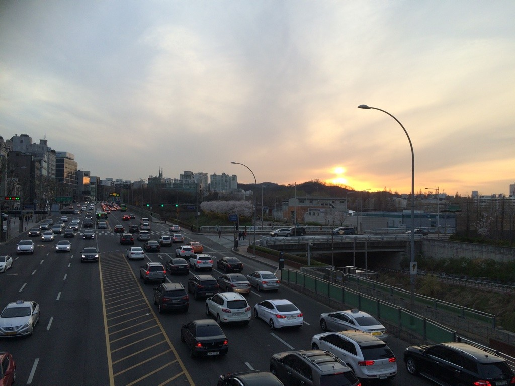 Sunsetting on Seoul. Traffic seems pretty bad here