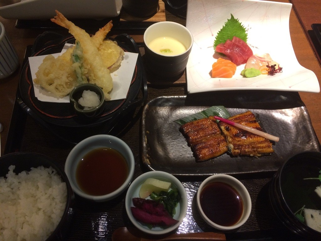 Dinner set: tempura, steamed egg, sashimi, unagi, rice and soup