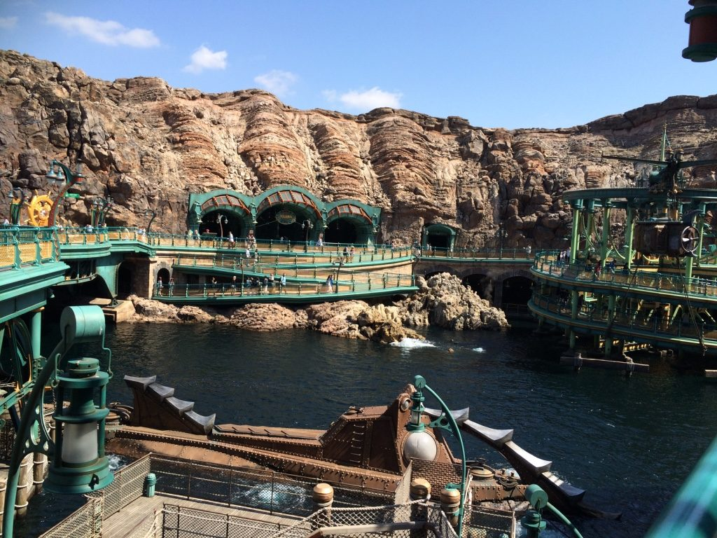 Mysterious Island's water submarine ride