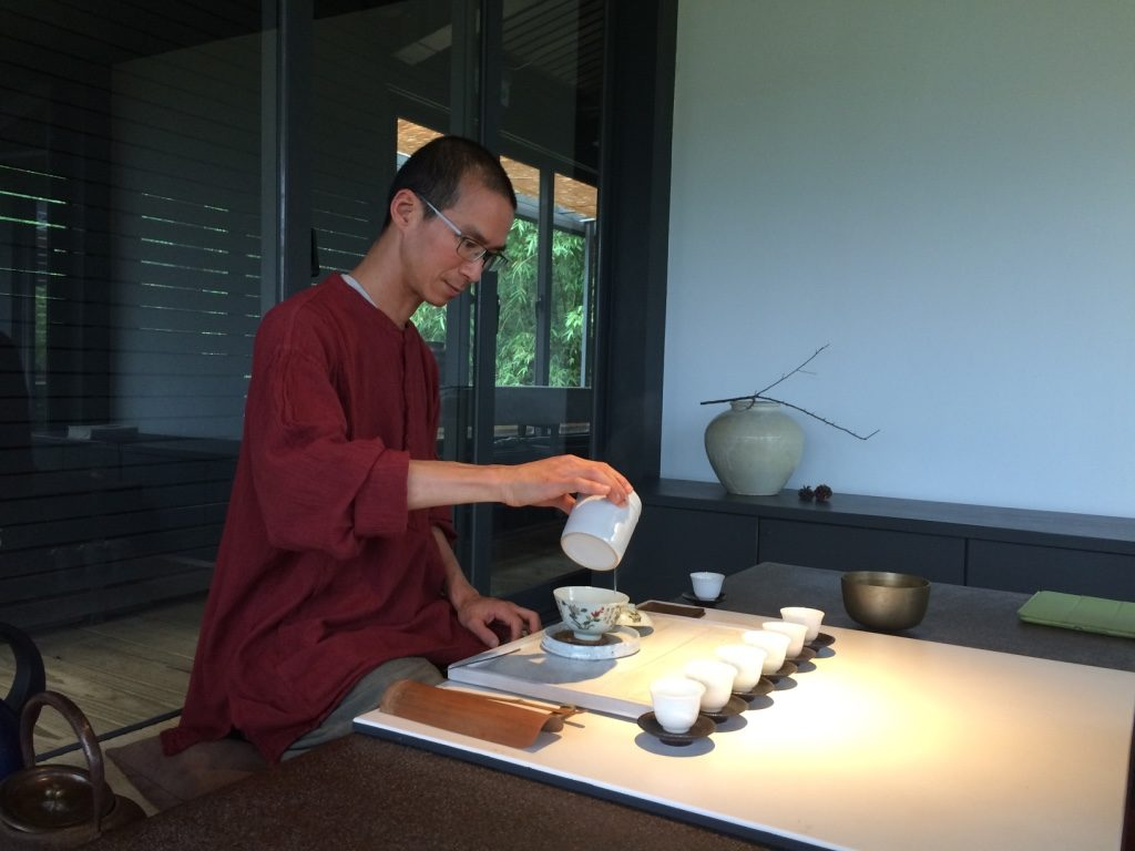 He brewed one of the teas using a bowl and the other type in a tea pot