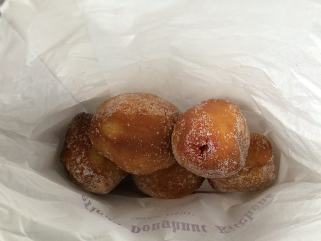 5 jelly filled doughnuts for $5.50 AUD = $5.25 CAD