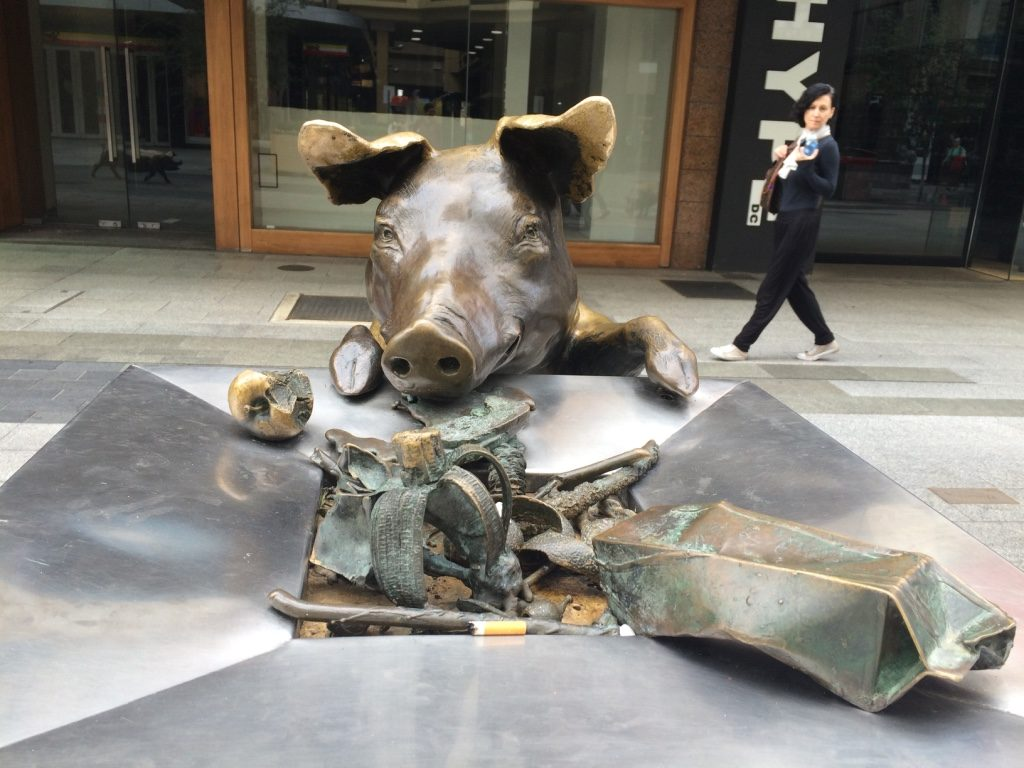 Cute pig statues on Rundell Mall