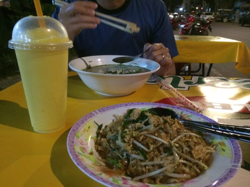 Chicken Pad Thai and a mango smoothie