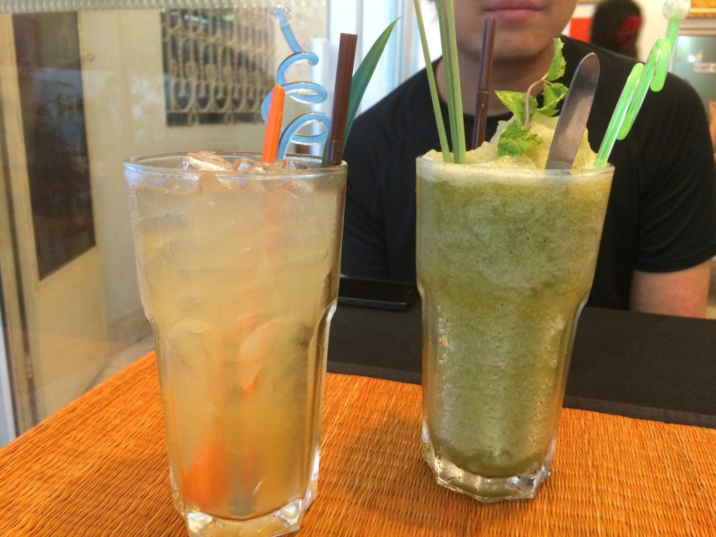 Tangerine & pandan juice ($1.70 USD) and lemongrass mint freeze ($2.50 USD)