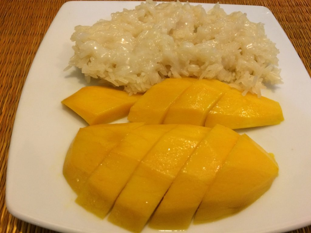Mango sticky rice ($2 USD)