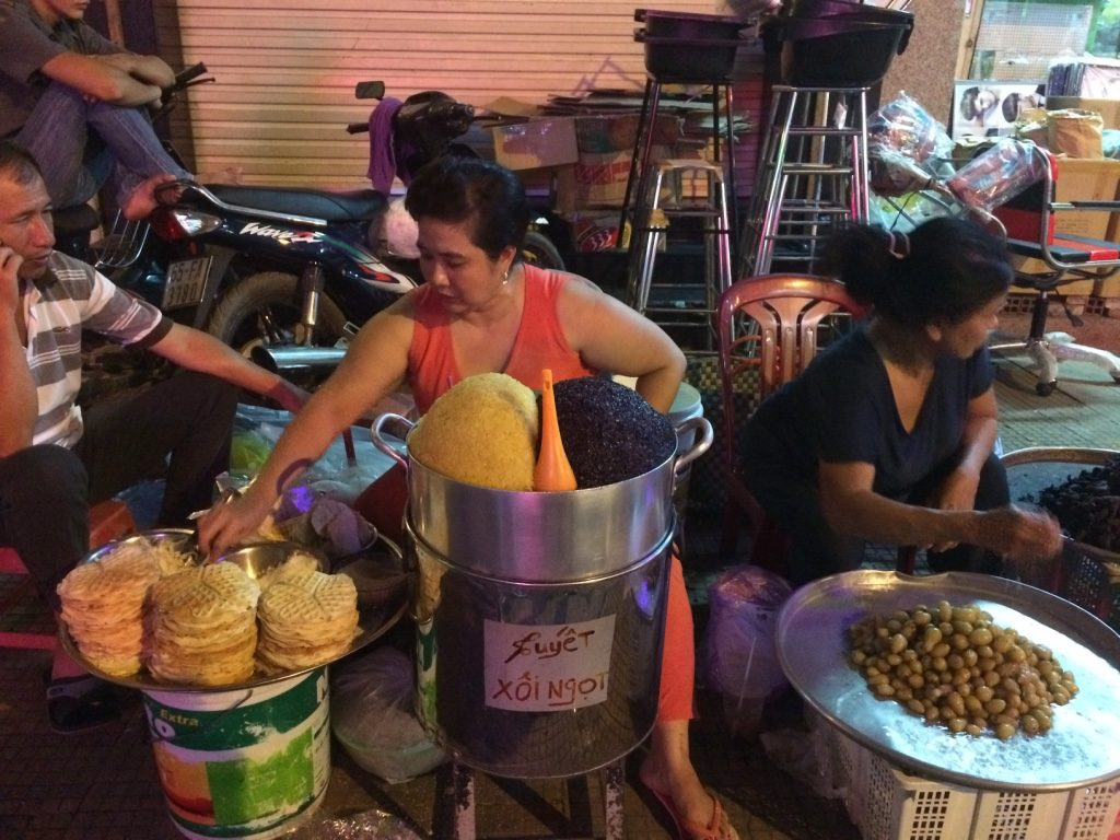 Sticky rice lady
