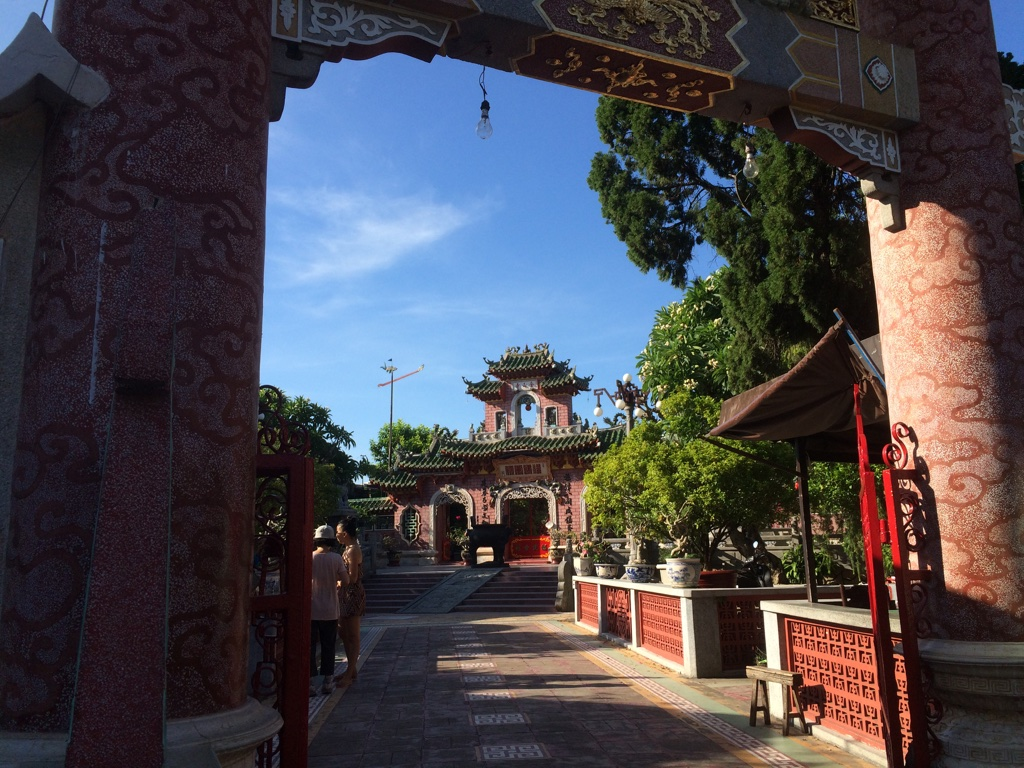 Hoi An (Day 107): Delicious Cao lầu and Unbearable Heat