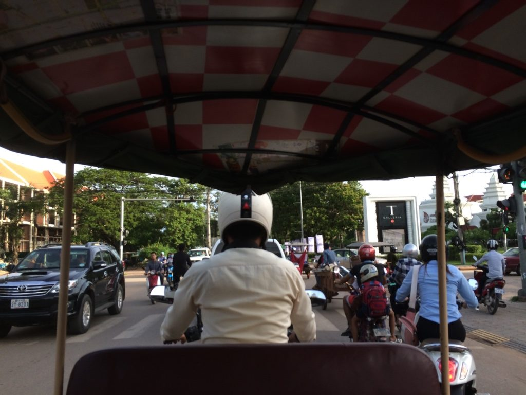Tuk tuk into the city