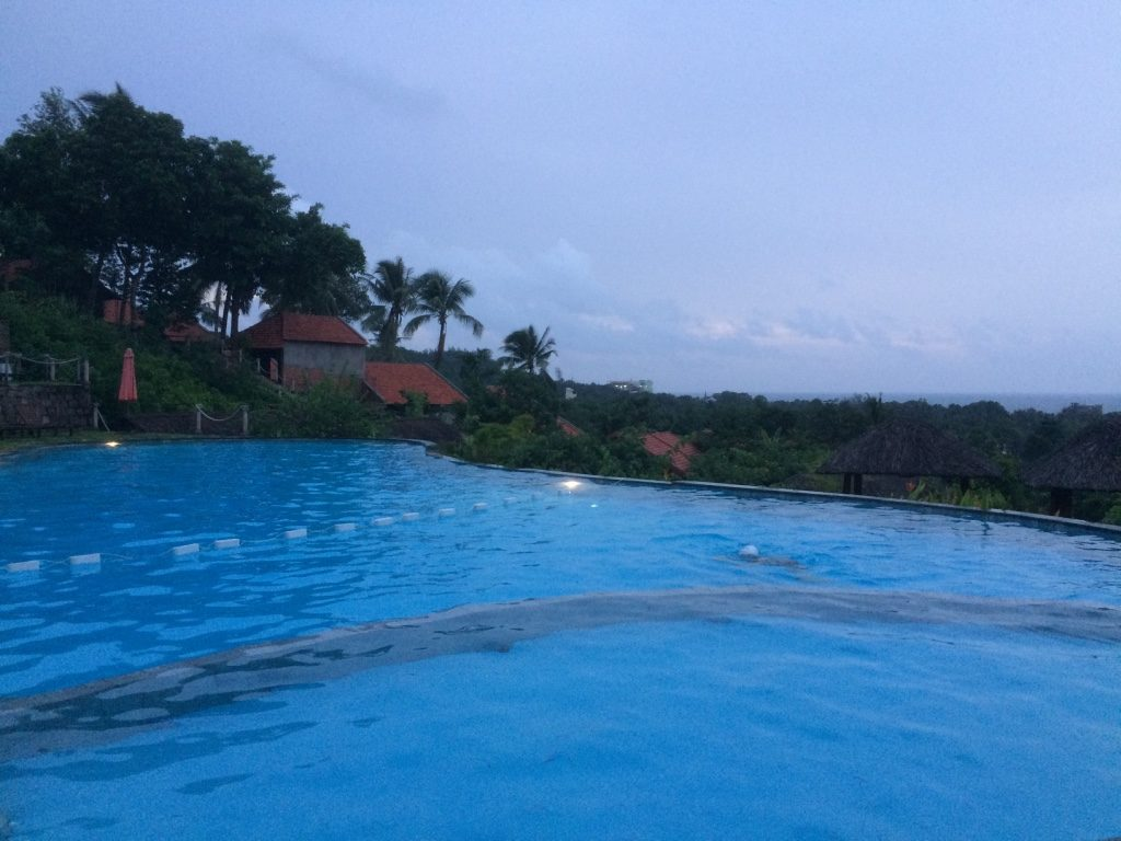 The nice big pool at Daisy Resort