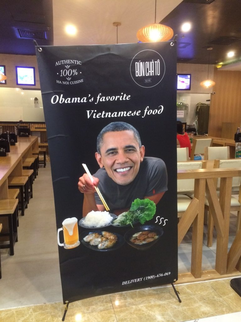 Some bad photoshopping. Obama ate bun cha with Anthony Bourdain and now it's his favourite food?