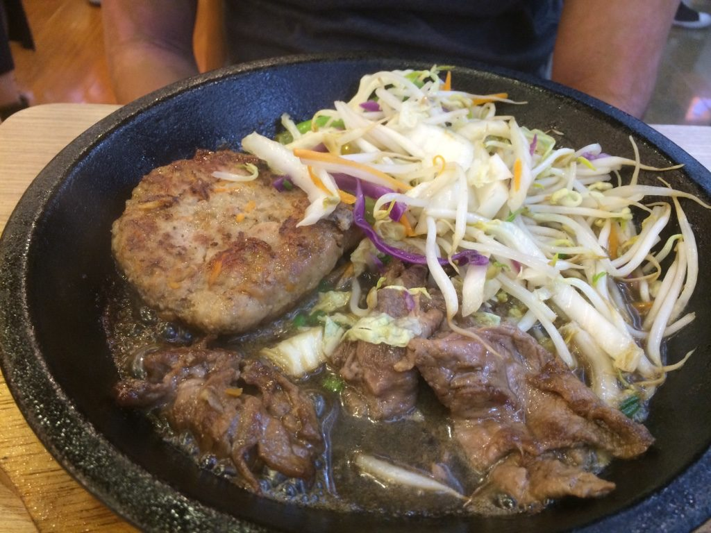Hamburger steak and beef, comes with rice and soup (98,000 VND = $5.70 CAD)